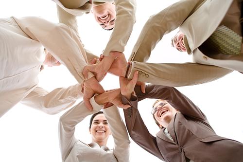 Sự đoàn kết vững vàng & ăn ý của các nhân viên Nhịp Cầu Địa Ốc
